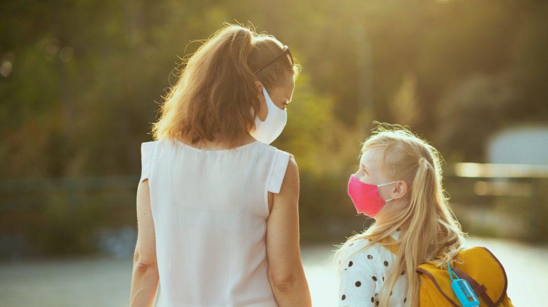 Gripă, viroză sau Covid? Cum îţi dai seama pe care dintre ele o are copilul tău şi ce ai de făcut