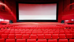 Se redeschid unele cinematografe. Unde putem să vedem filme și ce reguli avem de respectat