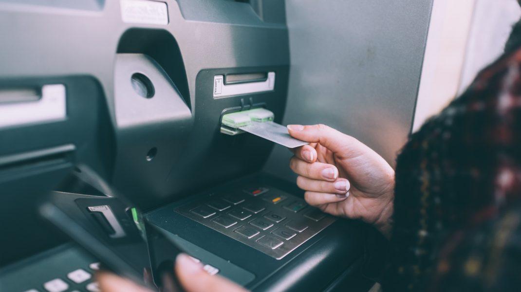 Bancomatele aruncate în aer, fenomen în România. Ce sistem de protecție au cele performante