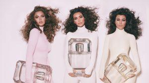 Surorile Kardashian lansează încă o linie de parfumuri