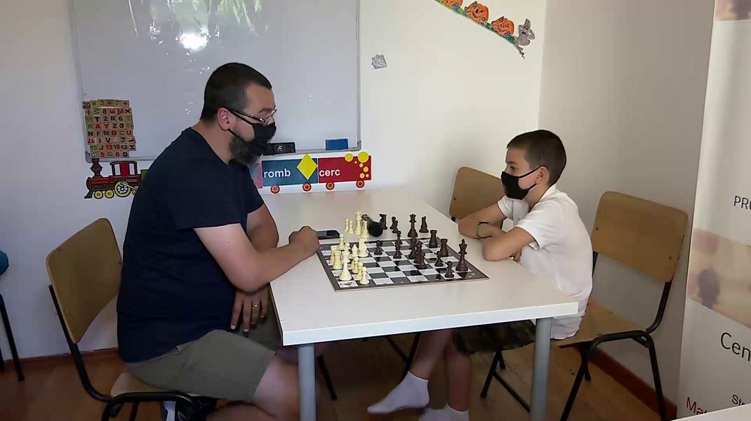 SUA a dat șah mat Rusiei în 1972. Meciul Secolului, adus și în România de un șahist român