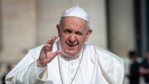 """Papa Francisc i-a avertizat pe oameni că """"bârfa este o molimă mai gravă decât COVID-ul"""""""