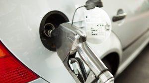 """California spune """"Adio"""" la mașinile pe benzină și diesel: de când va fi interzisă vânzarea lor"""