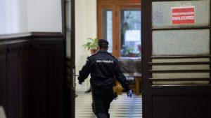 Alegeri locale 2020: Un jandarm din Brașov a fost atacat de un bolnav psihic la vot