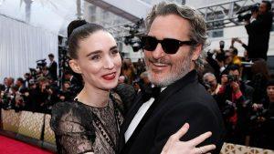 """Joaquin Phoenix, câștigător al Oscarului penmtru rolul său din """"Joker, și-a numit copilul """"River"""", în memoria fratelui său"""