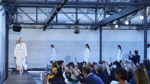 Pandemia trece, moda rămâne. Ce se poartă în 2021: colecțiile prezentate la Milano Fashion Week