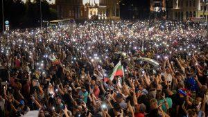 Protestele din Bulgaria continuă. Preşedintele, Rumen Radev, îi susţine pe manifestanți