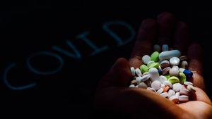 Rusia aprobă primul medicament împotriva COVID-19. Specialiștii sunt reticenți