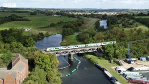 Marea Britanie a inaugurat prima linie a unui tren alimentat cu hidrogen