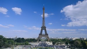 Turnul Eiffel, evacuat din cauza unei alerte false cu bombă