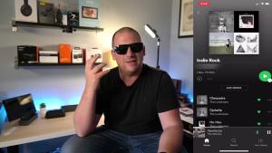 Bose a lansat ochelarii de soare la care asculți muzică. Costă 249 de dolari