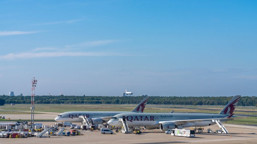 Qatar-plane