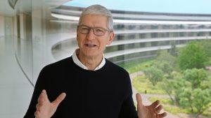 Apple nu vrea să renunțe la CEO-ul actual. Ce sumă este dispusă compania să-i plătească lui Tim Cook pentru a rămâne până în 2025