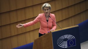 Ursula von der Leyen părăseşte summitul UE după ce a intrat în contact cu o persoană care are Covid-19