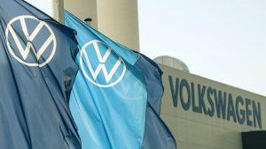 Volkswagen intră în cursă cu Tesla în domeniu maşinilor electrice