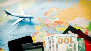 """Industria aviatică, în criză. CEO Qatar Airways: """"E absolut necesar ca guvernele să susțină companiile"""""""