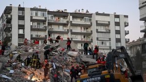 Cutremur cu magnitudinea 7 a zguduit Turcia și Grecia. Cel puțin 26 de persoane au murit LIVE UPDATE