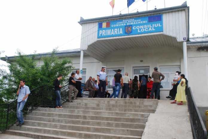 Un primar din județul Botoșani i-a făcut cetățeni de onoare pe 35 de apropiați, chiar în ultimele zile ale mandatului