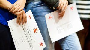 PSD îl acuză pe șeful Grupului de Comunicare Strategică că și-a falsificat diploma de licență