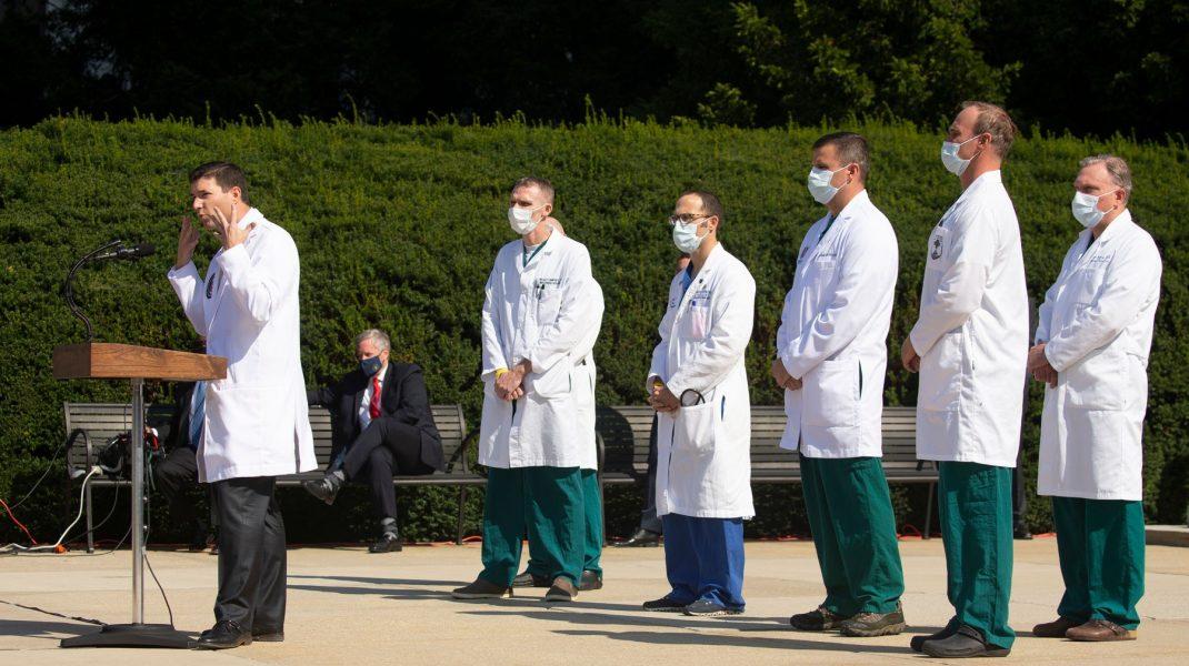 """Sean Conley și echipa medicală, despre starea lui Trump: """"De 72 ore, nu a mai fost pe tratament pentru febră"""""""
