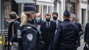 """Franța va dubla numărul soldaților pentru o mai bună protecție. Macron: """"Nu vom ceda"""""""