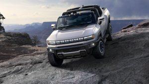 """General Motors a lansat Hummer EV, primul """"supertruck"""" electric. Cât costă și ce dotări are"""