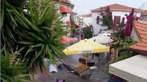 VIDEO: Momentul în care valurile produse de cutremur inundă străzile din Samos și Izmir