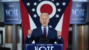 Joe Biden scoate toți așii din mânecă. Ce a făcut în încercarea de a lua avans în fața lui Trump și cum a gafat