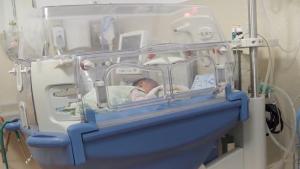 19 bebeluşi sunt în pericol de moarte la Marie Curie, iar banii promişi de Ministerul Sănătăţii sunt încă pe drum