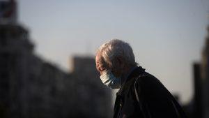 Masca devine obligatorie în toate spațiile publice din Argeș. De când intră în vigoare noua decizie
