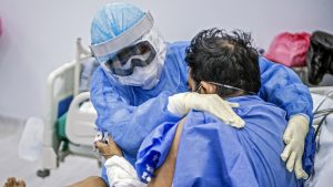 Locurile la Terapie Intensivă, epuizate la Sibiu. Medicii au trimis pacienți cu COVID-19 în Argeș
