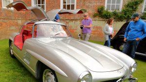 Suma pentru care a fost vândut la licitație un Mercedes Gullwing din 1957