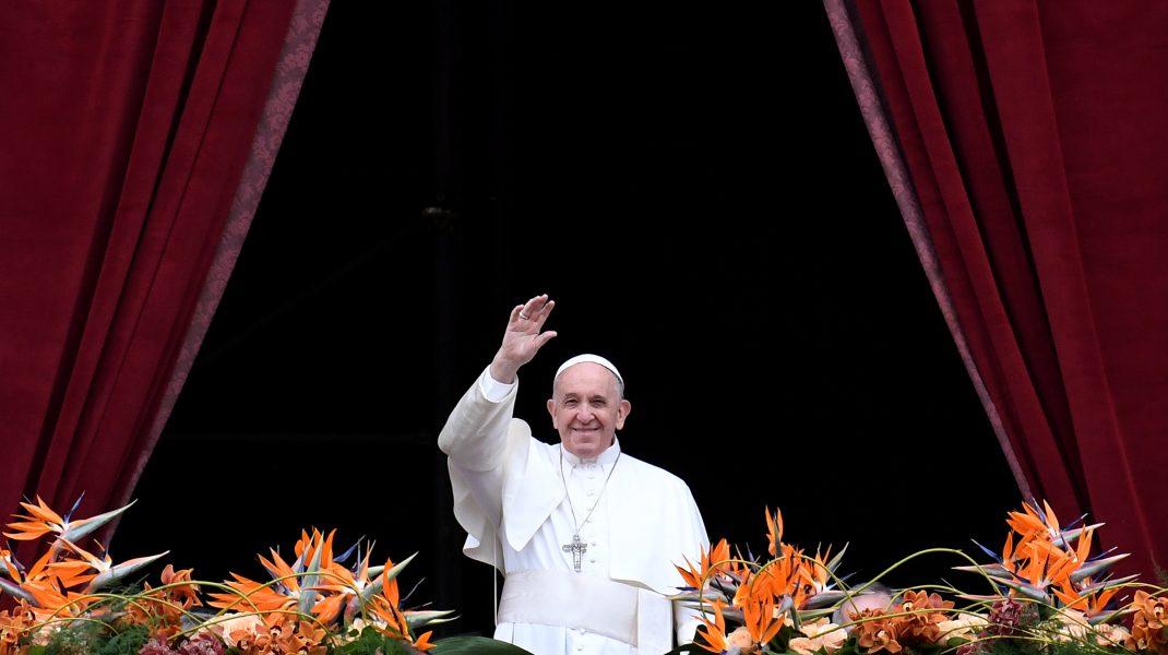 """Papa Francisc susține căsătoria între persoanele de același sex: """"Sunt copii ai lui Dumnezeu"""""""