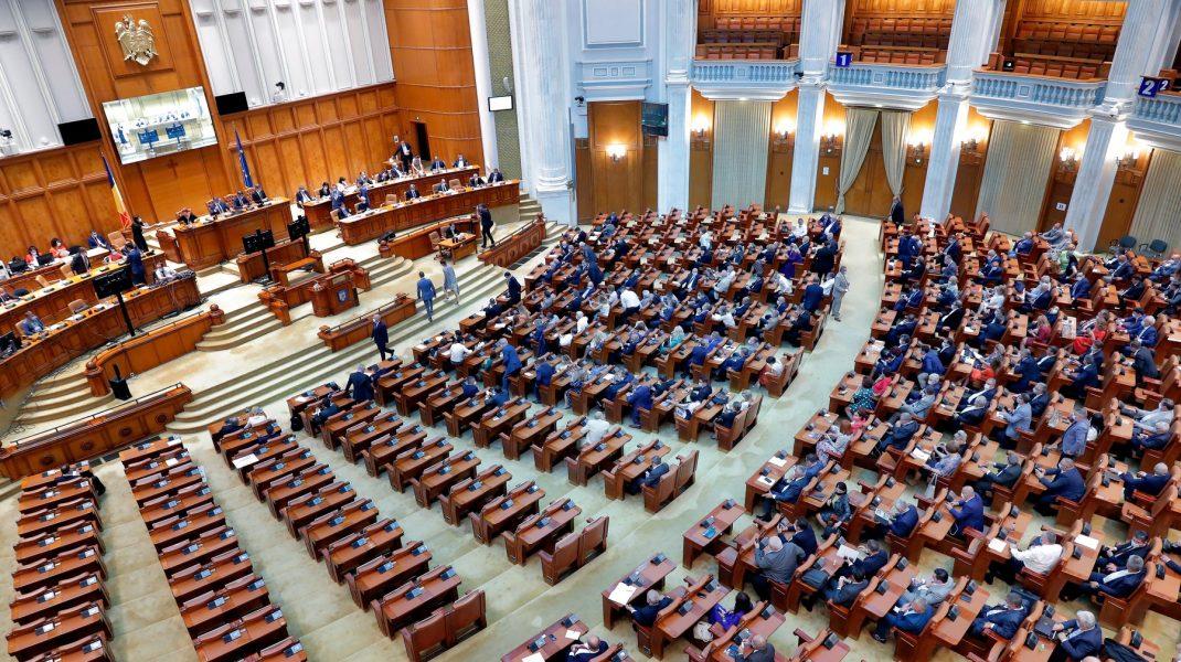 Parlamentarii PSD vor vota moțiunea de cenzură la vedere.