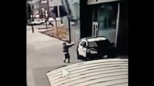 Atacatorul care a ambuscat și împușcat doi polițiști în mașină, în SUA, a fost găsit. A negat acuzațiile