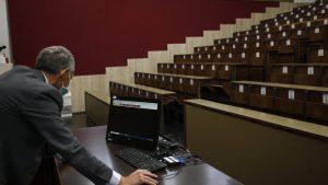 Rectorii vor putea fi veşnic la şefia Universităţilor