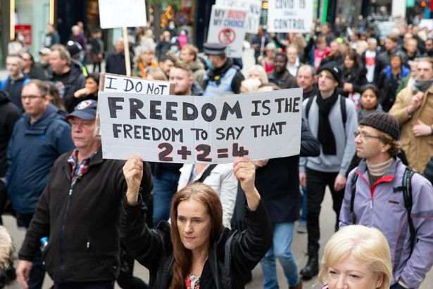 Proteste anti-restricții în Londra, după creșterea nivelului de alertă