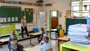 Belgia intră în stare de urgenţă, dar nu închide şcolile
