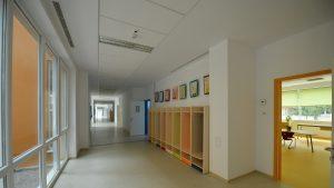 Școlile private din Brașov, amenințate de faliment după ce au intrat în scenariul roșu. Revolta unei directoare
