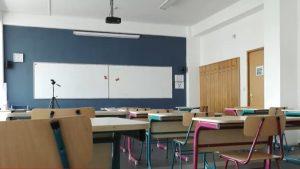 Revolta școlilor private: De ce în alte ţări se poate şi la noi nu? Nimeni nu se gândeşte la elevi, spun profesorii