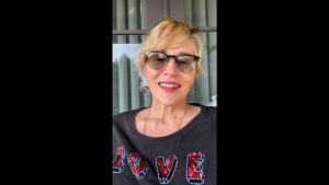 """Sharon Stone, mesaj de mulțumire pe Instagram pentru Papa Francisc: """"Un erou pentru mine"""""""