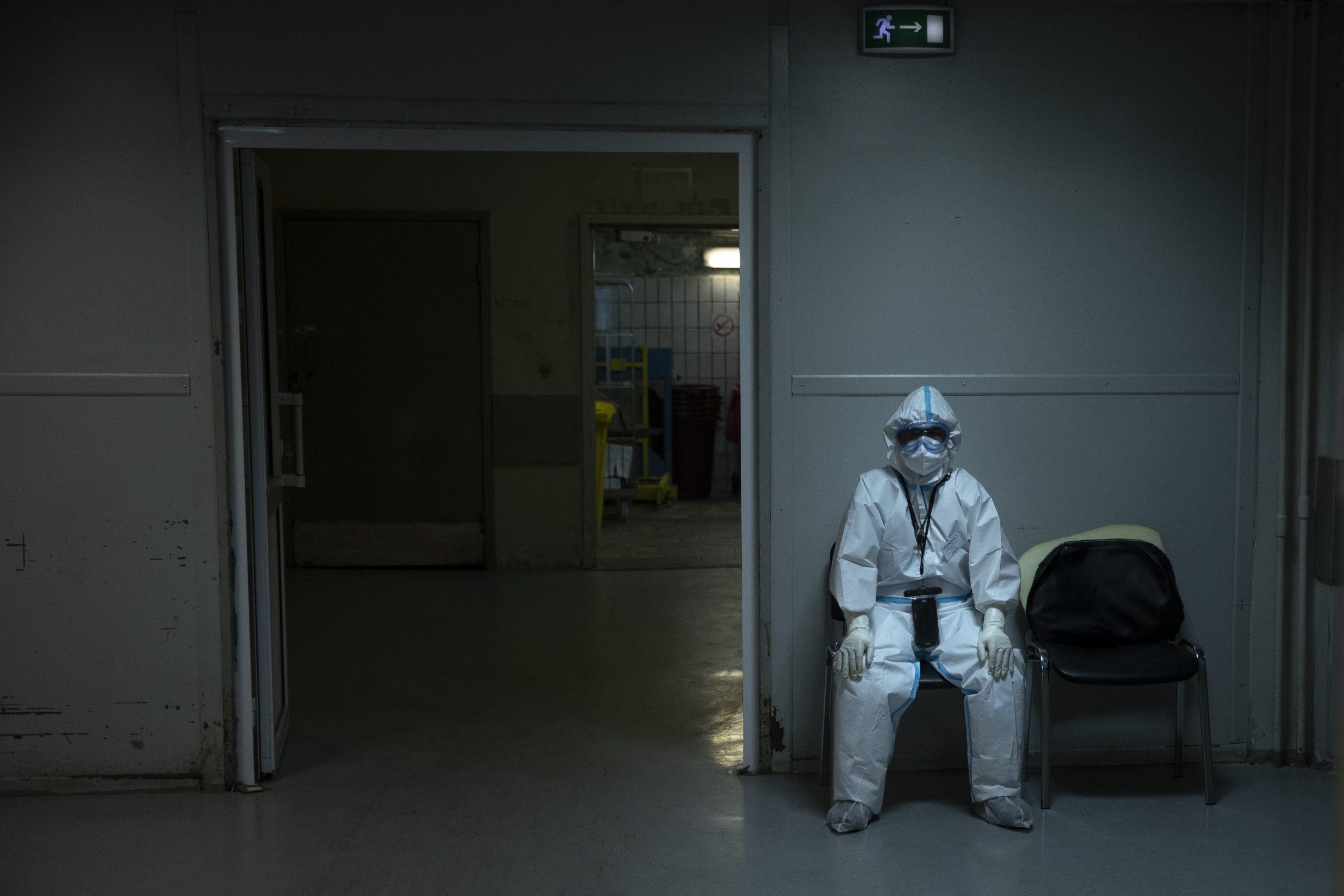 Un bărbat din Mediaș, infectat cu COVID-19, a murit așteptând să se elibereze un pat la terapie intensivă