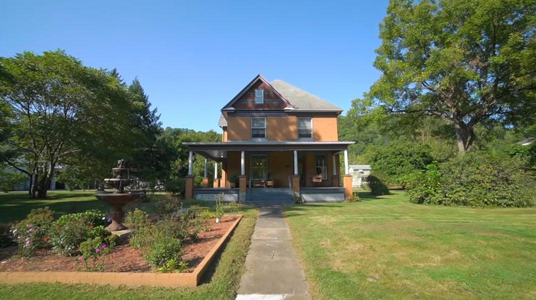 """Casa din filmul """"Tăcerea mieilor"""" este scoasă la vânzare. Care este prețul acesteia"""