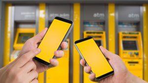 Transfer de bani fără IBAN: Vei putea trimite bani prin numărul de telefon