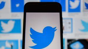 Twitter suspendă mesajele denigratoare la adresa lui Donald Trump