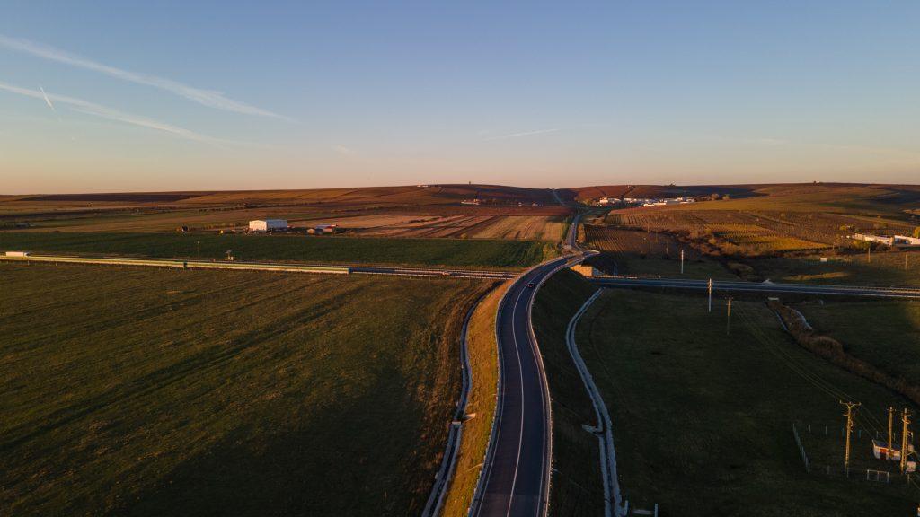 Nici după 10 ani autostrada Lugoj - Deva nu e gata. România ar putea pierde finanțarea europeană