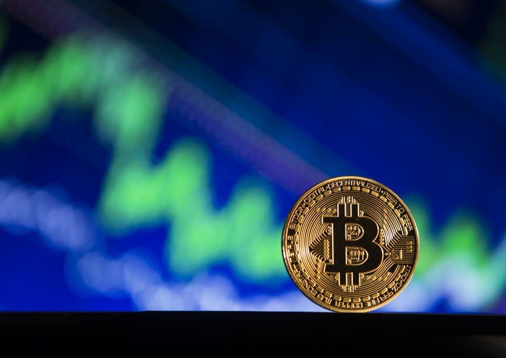Bitcoin se apropie de cea mai mare valoare din istorie, ajunge la aproape 19.000 de dolari