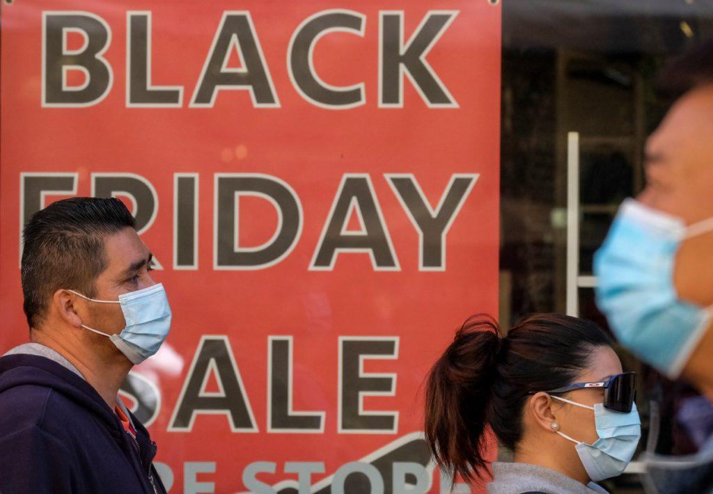Câți bani au cheltuit americanii de Black Friday în comparație cu noi. Cele mai cumpărate produse