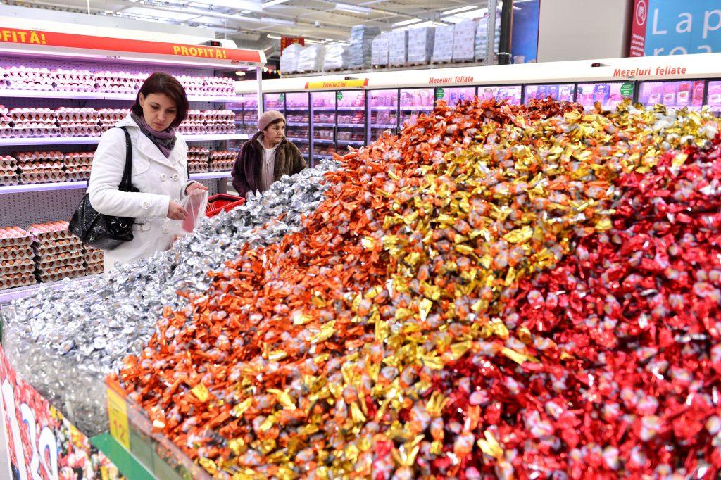 Au renunțat la joburile lor și au deschis magazine cu produse din Moldova. Cum merge afacerea