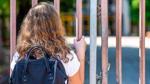 România închide școlile, Occidentul le deschide, deși are restricții mai dure decât noi